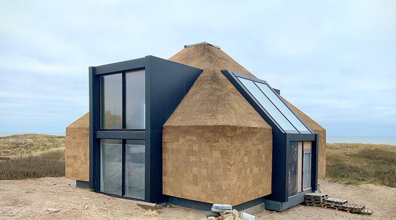 Dachdämmung bei einem Ferienhaus auf Sylt. Foto: R. Mauer