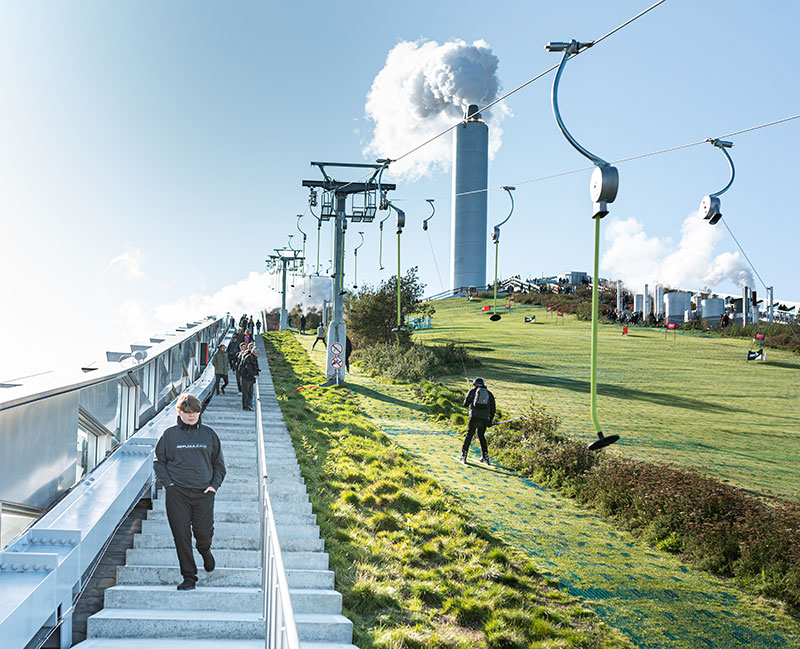 Kopenhagener können jetzt ganzjährig vor ihrer Haustür Skifahren – ohne weite Anreise und vor allem ökologischer als beim energieintensiven Indoor-Skifahren. Quelle: Ehrhorn Hummerston