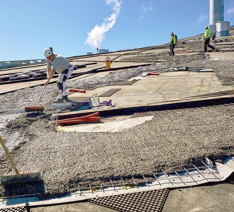 Stabile Basis für die späteren Wege sind die hoch belastbaren Bautenschutz- und Dränageelmente Elastodrain EL 200. Darauf werden Armierungsgitter einbetoniert. Quelle: Malmos A/S / ZinCo