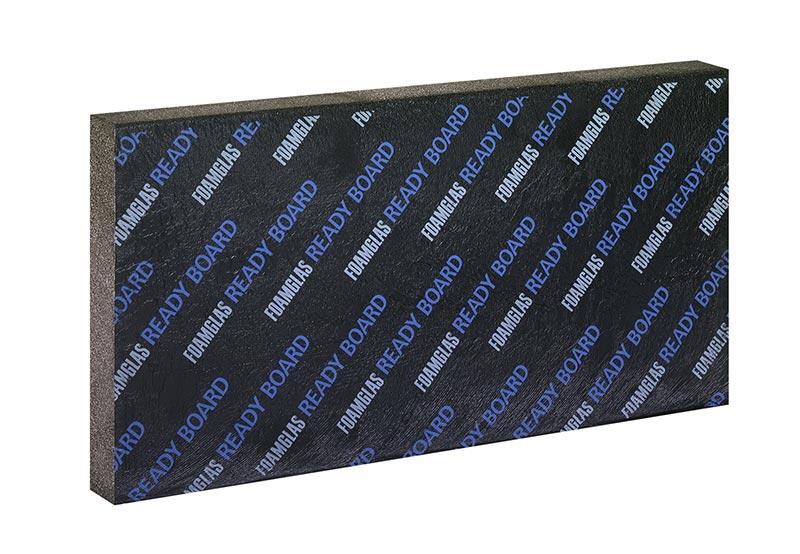 Zum überwiegenden Teil wurden Foamglas Ready Boards T4+ mit einer Dicke von sechs Zentimetern verbaut. Die Platten verfügen über eine werksseitig aufgebrachte PE-Folienkaschierung auf der Oberseite sowie ein weißes Spezialglasvlies auf der Unterseite. Foto: Deutsche FOAMGLAS GmbH