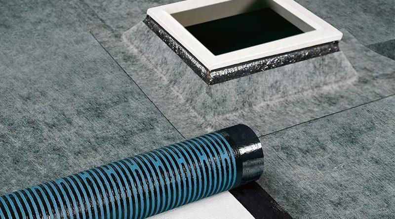 Polartherm SK Plus mit unterseitig selbstklebenden Power-Therm-Streifen und blauer Syntan-Beschichtung.